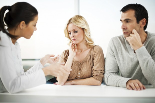 Marriage therapy. Couple with an advisor.