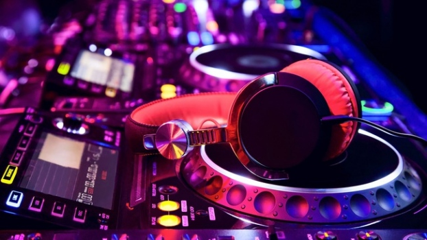 Top Benefits Of Hiring A Professional DJ For Any Event