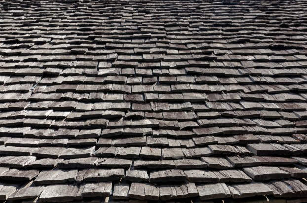The Pros and Cons Of Having A Wooden Roof