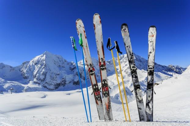 Ski Equipments: Renting vs. Buying